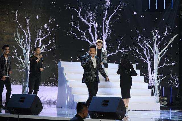 """Nhất là khi Mr Đàm… đập đầu vào gốc cây, còn ca sĩ Quang Lê lại nhận cái """"tát yêu"""" từ Cẩm Ly."""