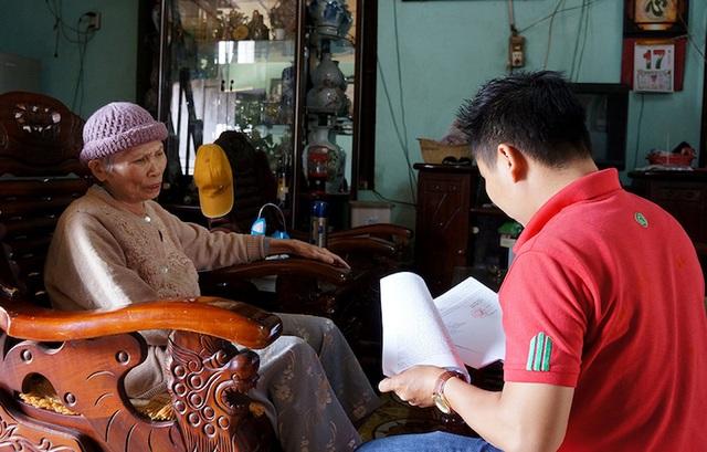 PV Dân trí đồng hành cùng cụ Đàm Thị Lích suốt gần 2 năm trong quá trình đi tìm công lý.