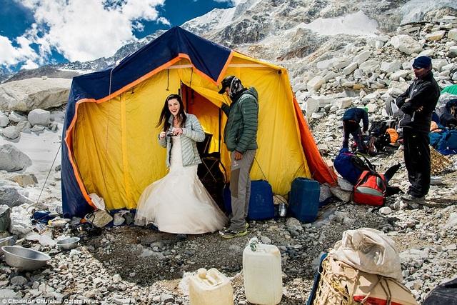 Hình ảnh hậu trường của bộ ảnh cưới