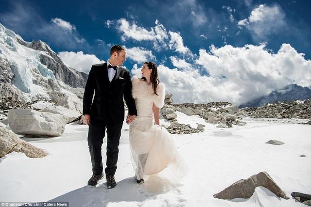 Dù có nhiều kinh nghiệm leo núi nhưng cặp đôi vẫn mất khoảng một năm lên kế hoạch và luyện tập thể lực