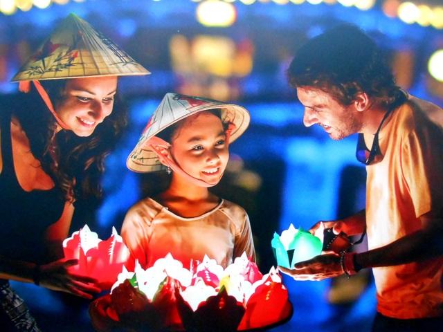 Ánh đèn đêm hội - Lê Trọng Khang