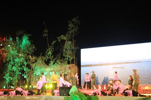 Chương trình nghệ thuật ca ngợi quê hương Quảng Trị anh hùng