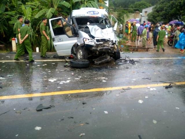 Những người dân xã Đăk Hring, huyện Đăk Hà đã kịp thời cứu nạn trong vụ giao thông nghiêm trọng ngày 30/6