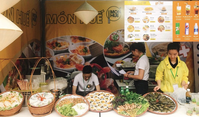 Nhiều món ăn truyền thống được trình bày đẹp mắt