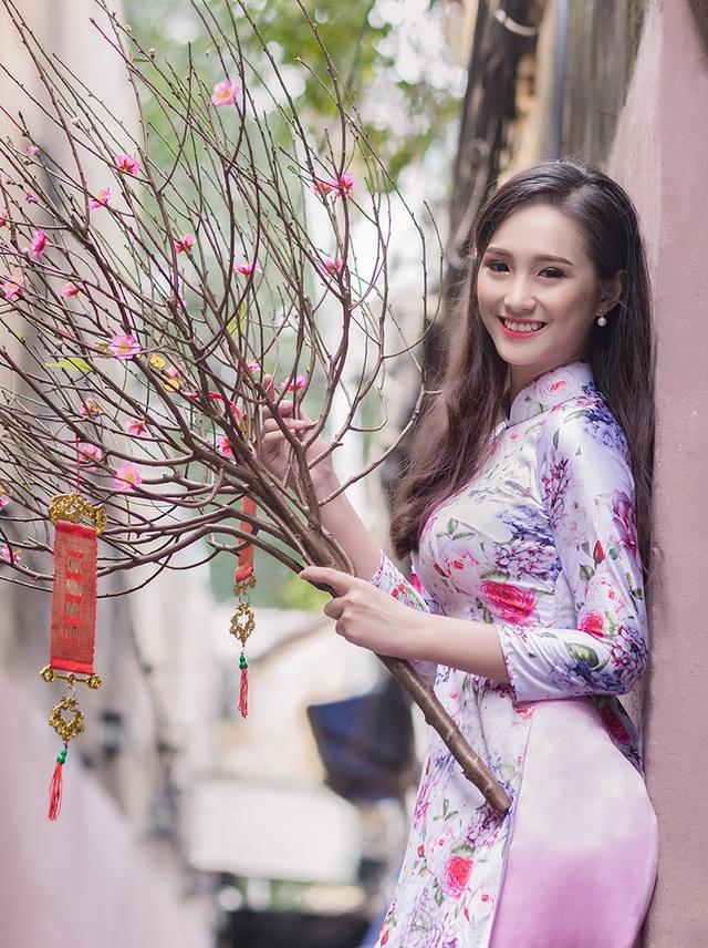 Nữ sinh cấp 3 Sài Gòn duyên dáng du xuân - 8