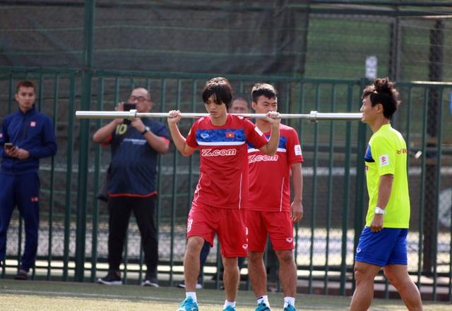 Cầu thủ U23 Việt Nam đang phải tập thể lực khá nặng - Ảnh: Gia Hưng