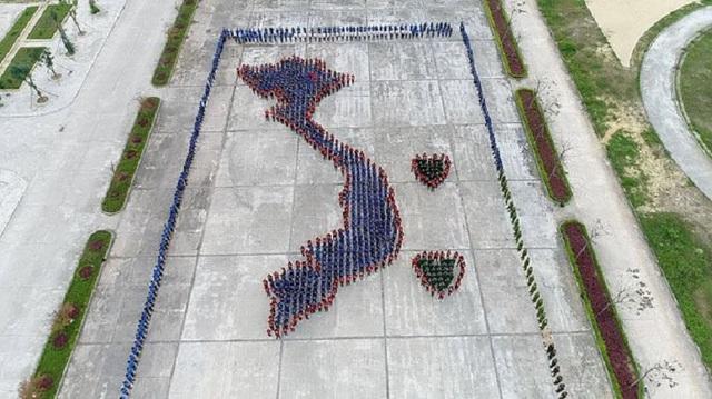Quảng Bình: Gần 1.500 đoàn viên, thanh niên xếp hình bản đồ Việt Nam - 2