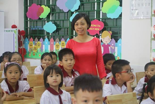 Lớp 1/2, Trường tiểu học Hồng Hà, Bình Thạnh, TPHCM có đến 54 học sinh.