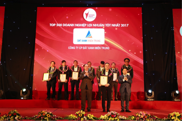 Đất Xanh Miền Trung đạt giải thưởng Top 500 doanh nghiệp lợi nhuận tốt nhất 2017 - 1