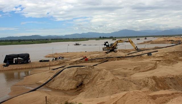 Nhiều sai phạm trong khai thác cát ở Phú Yên