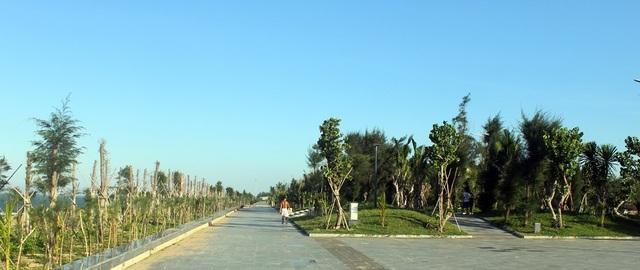 Đường đi bộ được thiết kế với tổng chiều dài 1,15 km kinh phí xây dựng là 68,5 tỷ đồng