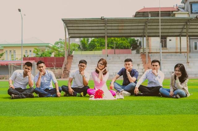 Trang có rất nhiều bạn bè, đặc biệt chơi thân với nhiều bạn trai