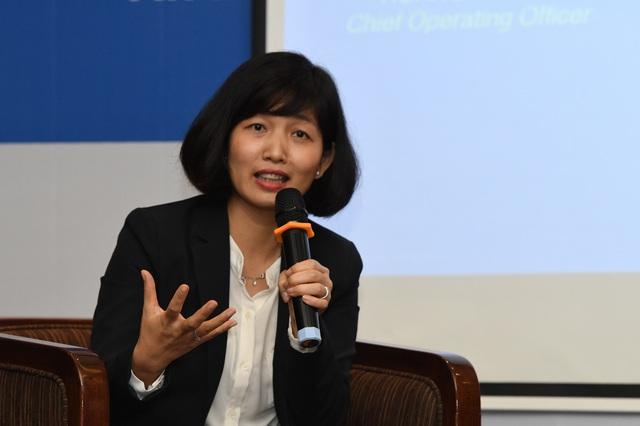 Bà Nguyễn Thị Thu Hoà - Trưởng bộ phận Công nghệ Thông Tin tập đoàn Bảo Việt Nhân Thọ (BVL): Từ khi sử dụng ứng dụng Workplace, hiệu quả truyền thông trong doanh nghiệp đã tăng lên đáng kể trong khi chi phí được tiết giảm