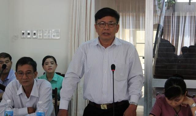 Ông Phạm Kiên, Chủ tịch UBND thị xã Sông Cầu phát biểu tại buổi họp báo