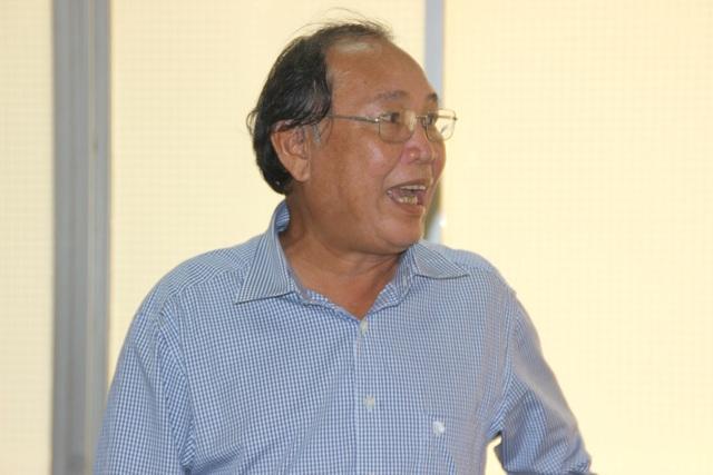 Ông Hà Ngọc Tân, Phó chủ tịch UBND huyện Phù Mỹ vẫn chưa hài lòng với kết quả kiểm tra của chuyên gia