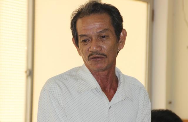 Mặc dù chưa đồng ý về kết luận của chuyên gia, nhưng ngư dân Nguyễn Văn Mạnh vẫn đồng ý cho sửa chữa.