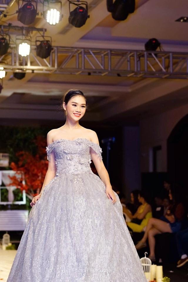 """Nữ sinh chuyên Lê Hồng Phong """"hóa"""" người mẫu chuyên nghiệp - 3"""