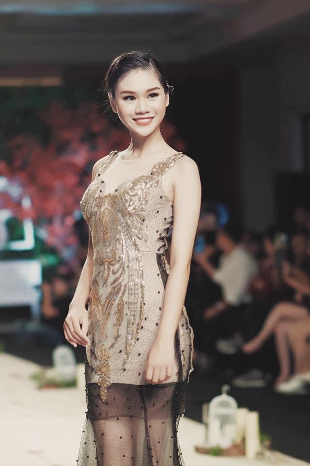 """Nữ sinh chuyên Lê Hồng Phong """"hóa"""" người mẫu chuyên nghiệp - 5"""