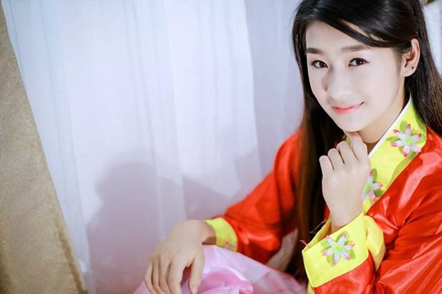 Dù ở góc chụp nào, nữ sinh Lào Cai vẫn rất xinh đẹp