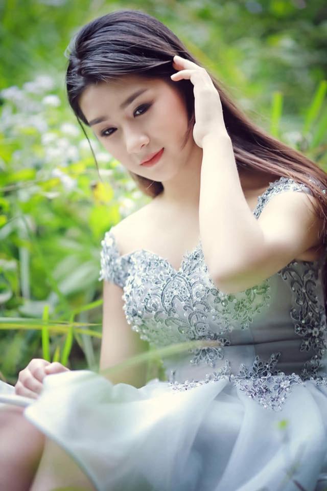 """Nữ sinh Lào Cai khốn khổ vì bị nhầm là """"hot girl ảnh bìa"""" sách giáo khoa - 10"""