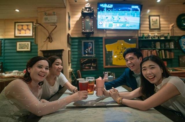 """Hài hước bộ ảnh cưới """"mê ẩm thực"""" của cặp đôi Thái Lan - 9"""