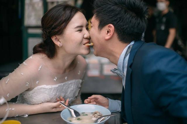 """Hài hước bộ ảnh cưới """"mê ẩm thực"""" của cặp đôi Thái Lan - 4"""