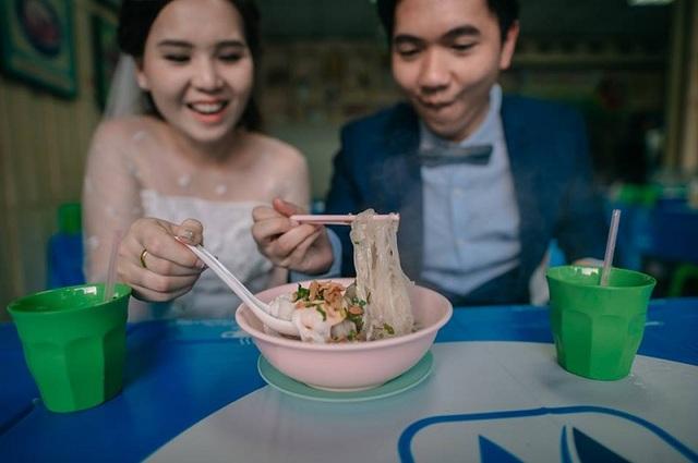 """Hài hước bộ ảnh cưới """"mê ẩm thực"""" của cặp đôi Thái Lan - 5"""