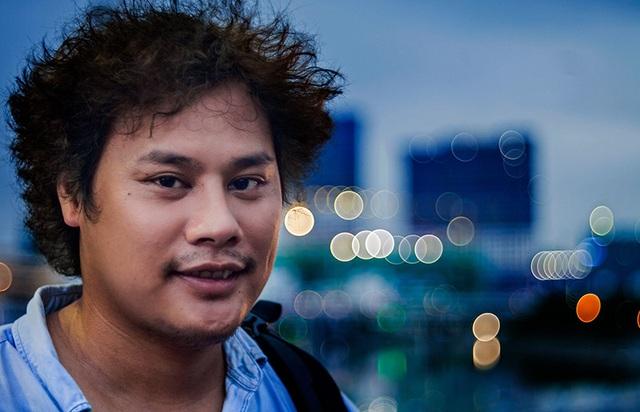 Phạm NaTao (sinh năm 1990) hiện đang là sinh viên trường Đại học Sân khấu điện ảnh TP HCM là chủ nhân của bộ ảnh độc đáo này.