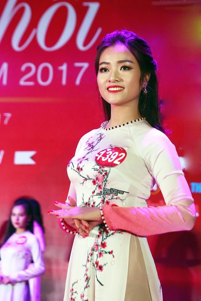 Cô gái đến từ ĐH Vinh Nguyễn Thị Tình