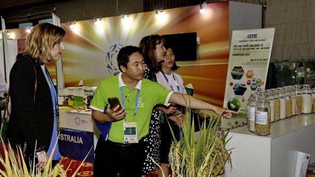 Triển lãm APEC về sản phẩm lương thực và công nghệ mới trong nông nghiệp thu hút nhiều đơn vị tham gia.