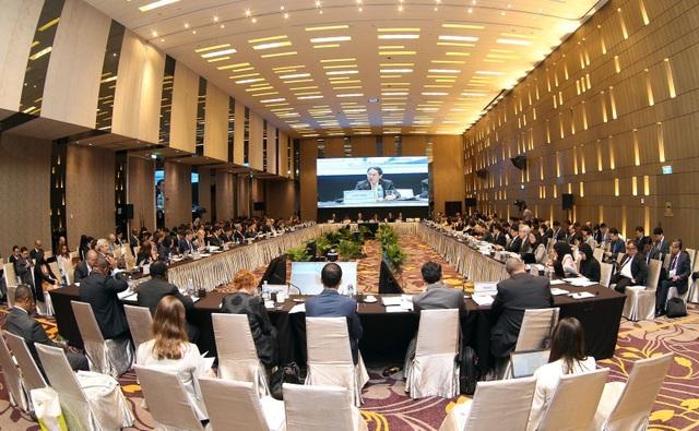 Hội nghị lần thứ nhất các quan chức cấp cao APEC (SOM1) và một loạt cuộc họp liên quan đã diễn ra từ ngày 18/2-3/3 tại Nha Trang, Khánh Hòa. Đây là hoạt động khởi động cho Năm APEC Việt Nam 2017, chuẩn bị cho Tuần lễ cấp cao APEC tổ chức vào tháng 11.