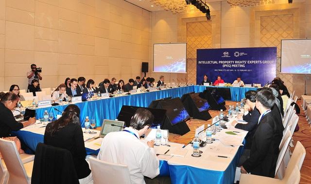 Cuộc họp lần thứ 44 Nhóm Chuyên gia APEC về Sở hữu trí tuệ (IPEG 44) đã diễn ra trong 2 ngày 18 và 19/2 tại Nha Trang. Đây là hoạt động nằm trong khuôn khổ Hội nghị lần thứ nhất các quan chức cao cấp APEC (SOM1) và các cuộc họp liên quan, quy tụ các đại biểu từ 21 nền kinh tế thành viên.