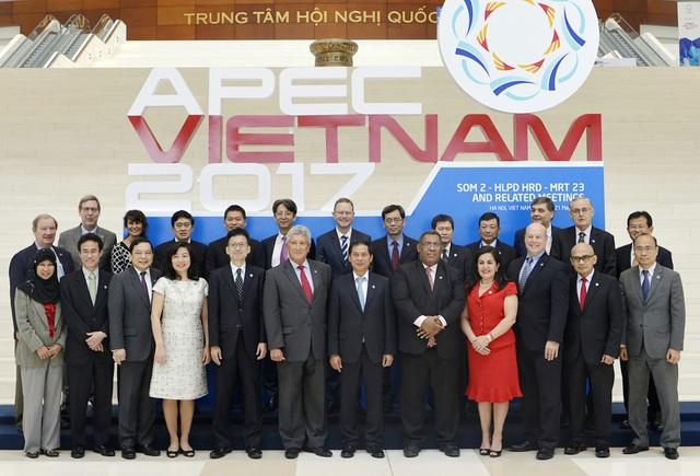 Sau Hội nghị lần 1, Hội nghị lần 2 các quan chức cấp cao APEC (SOM 2) và các cuộc họp liên quan đã diễn ra từ ngày 9-18/5 tại thủ đô Hà Nội.