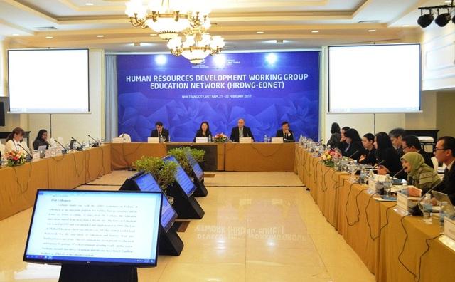 Hội nghị hợp tác về giáo dục và phát triển nguồn nhân lực trong khu vực APEC vừa khai mạc sáng nay 21/2