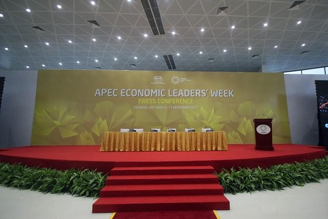 Khu vực tổ chức họp báo quốc tế cũng đã sẵn sàng.
