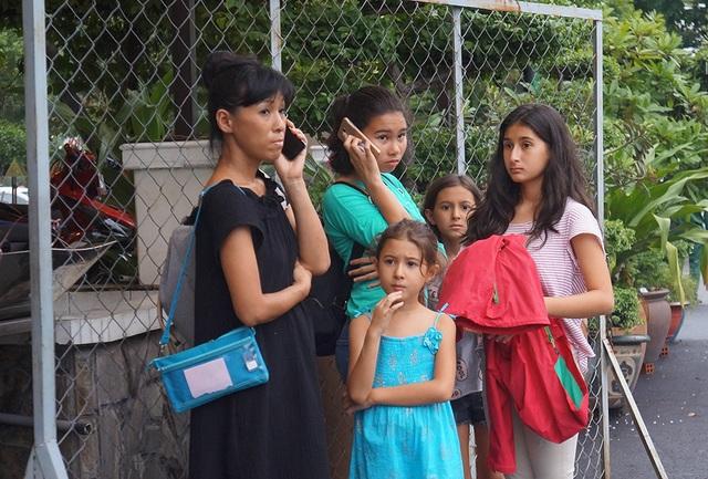 Gia đình người Nga đến xem show tại Việt Nam vô cùng thất vọng, họ không tin đây là sự thật