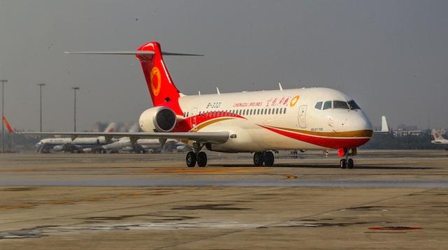Máy bay ARJ21-700 tại sân bay quốc tế Thành Đô, Trung Quốc. (Nguồn: Honeywell)