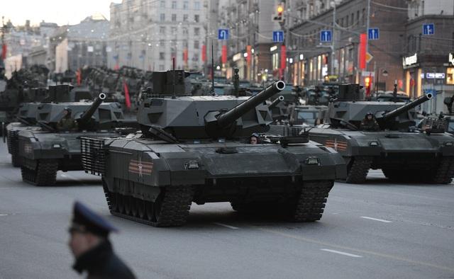 Xe tăng Armata trong lễ duyệt binh của Nga. (Ảnh: Sputnik)