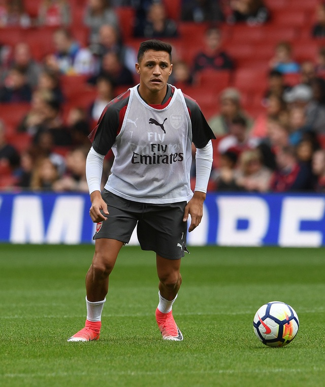 Sanchez mới trở lại Arsenal được hai hôm. Trước đó tiền đạo người Chile được nghỉ Hè muộn do phải tham dự Confed Cup, thêm đó Sanchez đã cáo ốm để không về tập trung cùng đội tham dự Emirates Cup