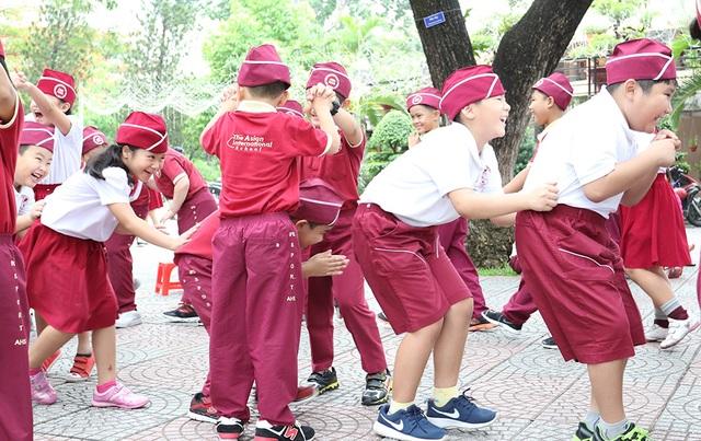 Học tập ngoại khóa rèn luyện kỹ năng sống tại công viên.