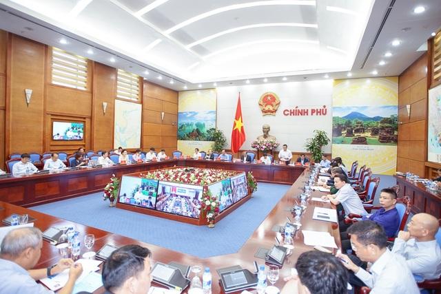 Cuộc họp Sơ kết 9 tháng về an toàn giao thông quốc gia sáng 21/10, tại trụ sở Chính phủ.