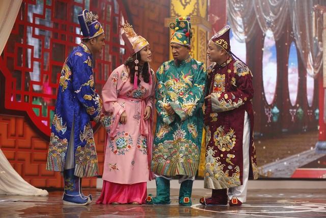 3 Táo nam và 1 Táo nữ lên chầu Ngọc Hoàng bằng những trạng thái cảm xúc khác nhau.