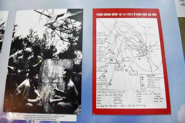Sơ đồ trận đánh đêm ngày 18/12/1972 ở khu vực Hà Nội được vẽ một cách chi tiết để khách tham quan có thể hình dung được quy mô của trận đánh.