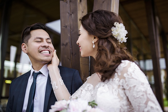 Sau hơn 2 năm yêu nhau, họ quyết định về cùng một nhà bằng một đám cưới diễn ra ngày 1/10 tới Prague. Để chuẩn bị cho ngày trọng đại, Minh Tùng - Ngọc Anh đã cùng ê kip chụp ảnh ghi lại những khoảnh khắc lãng mạn tại lâu đài Hluboka, khu vườn Kromeriz và khu nghỉ dưỡng Capi Hnizdo, cộng hoà Séc.
