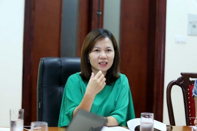 Bà Nguyễn Như Quỳnh – Phó Chánh thanh tra Bộ Khoa học và Công nghệ thông tin về tình hình sâm Ngọc Linh giả chiều 9/10.
