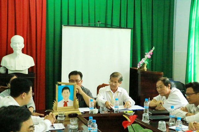Buổi họp công bố kết luận của Hội đồng chuyên môn, kỷ luật một bác sĩ vi phạm quy định chuyên môn của ngành y tế của Trung tâm Y tế huyện Phú Giáo.