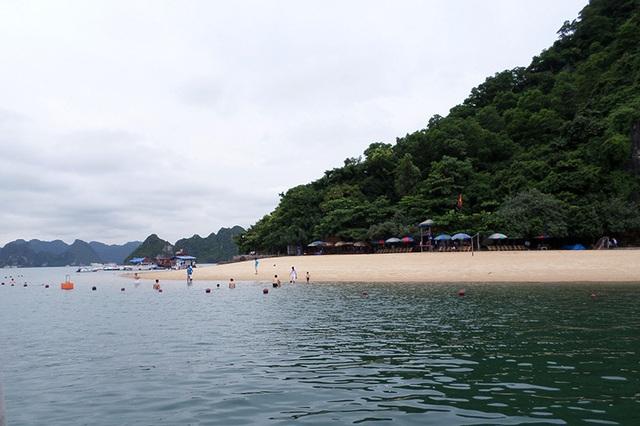Thông tin ban đầu, du khách bị rơi xuống vùng biển gần đảo Titop. (Ảnh minh họa)