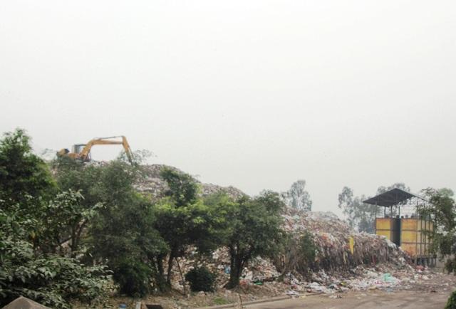 Mặc dù người dân đến doanh nghiệp rất nhiều lần kiến nghị nhưng đến nay bãi rác này vẫn chưa được xử lý làm ảnh hưởng nghiêm trọng đến đời sống và sản xuất của người dân và doanh nghiệp