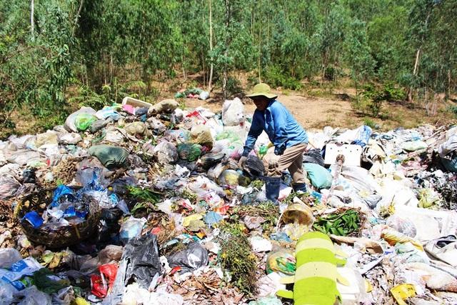 Thị xã Ninh Hòa (Khánh Hòa) đang tìm kiếm các bãi rác tạm thời để chứa 55-60 tấn rác sinh hoạt/ngày của thị xã này