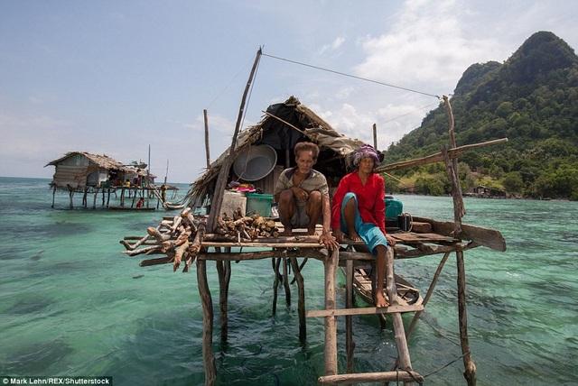 Cuộc sống người Bajau Laut lênh đênh vùng sông nước và không có quốc tịch